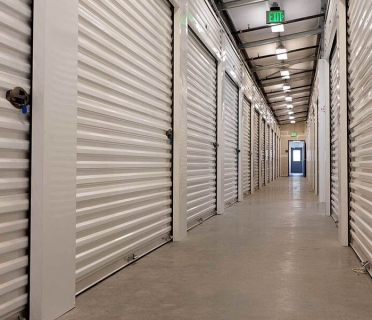 USE NORTHERN BEACHES STORAGE TO LIVE MORE MINIMALLY